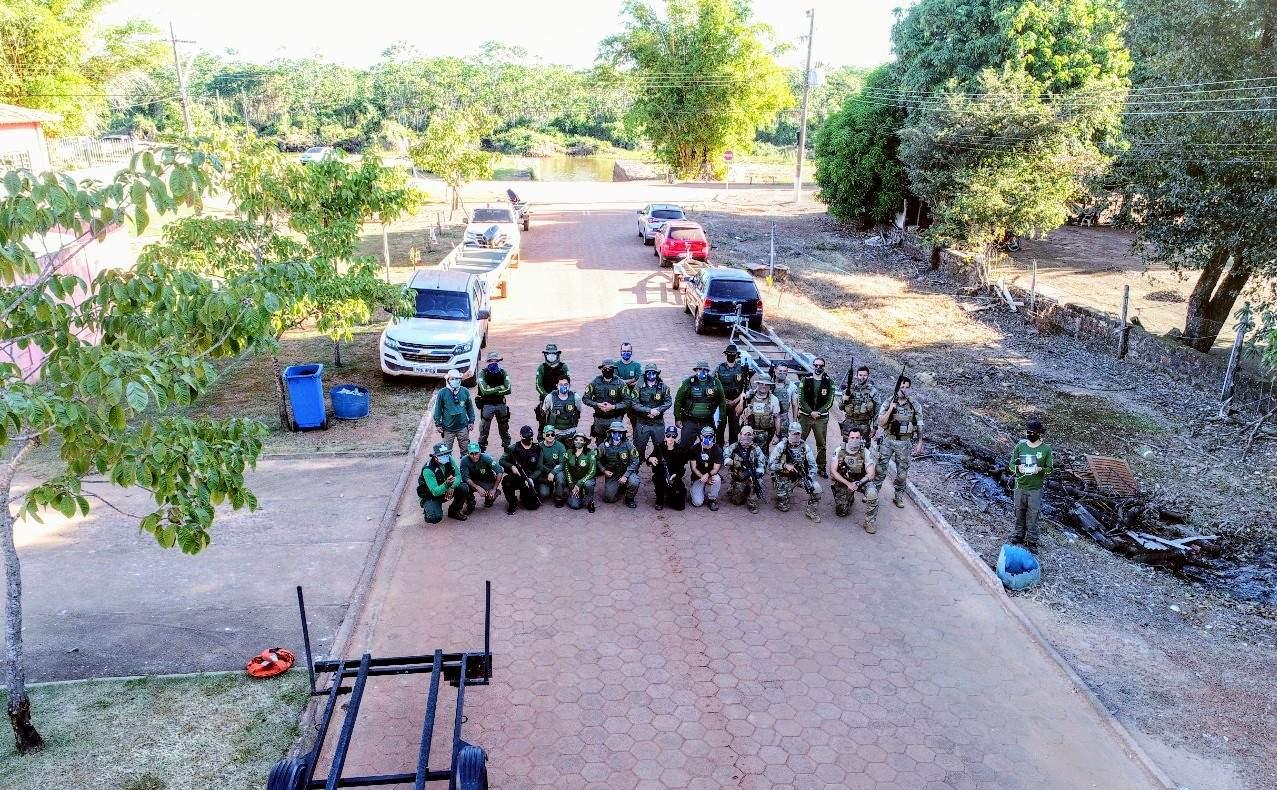 A Operação Evangelista, ação conjunta entre órgãos do Governo de Goiás, combateu crimes ambientais na extensão do Rio Araguaia: foram apreendidos um veículo, 12 embarcações com motores de popa, 22 car