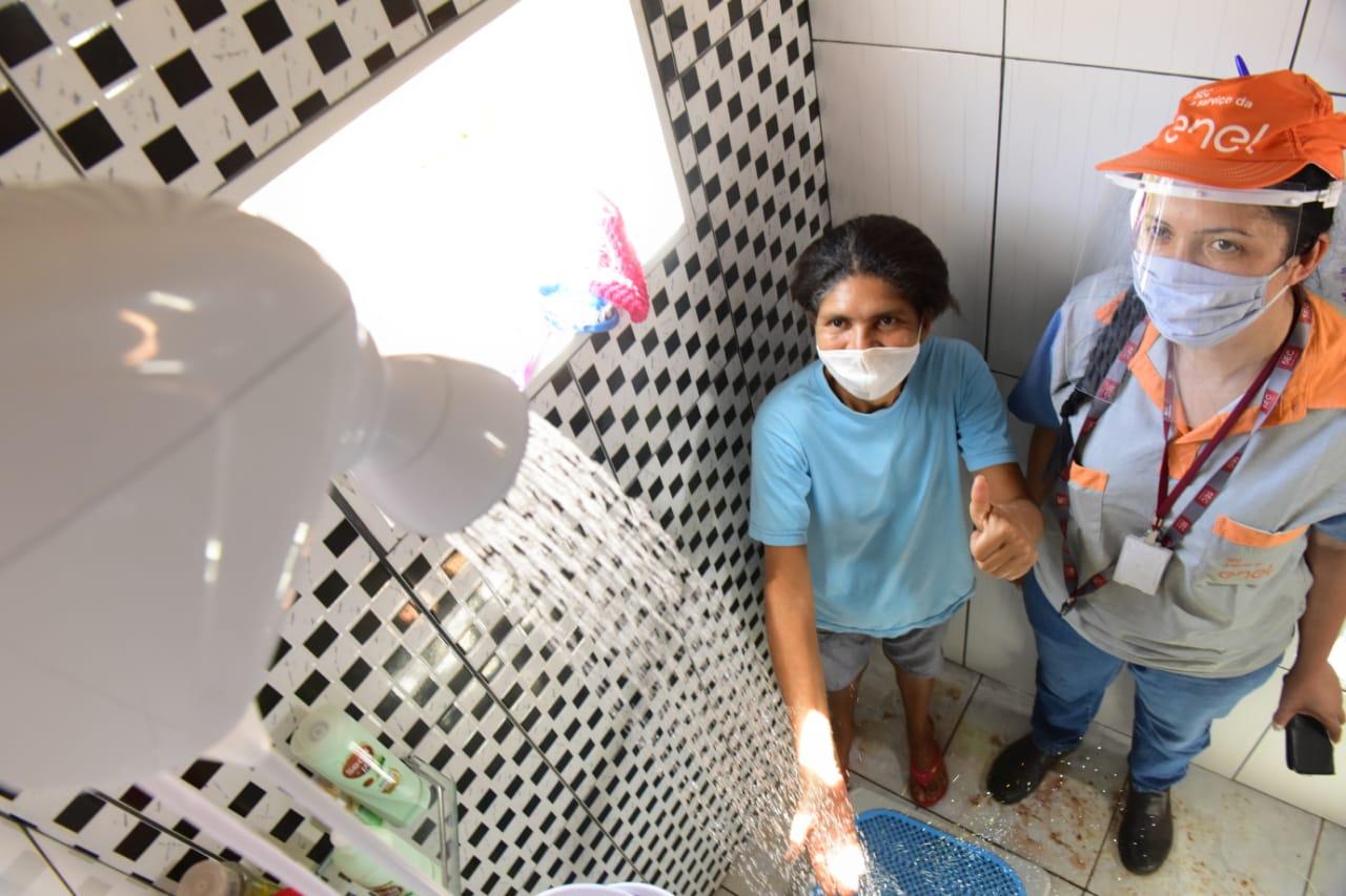 O primeiro bairro a ser beneficiado será o Residencial JK, em Goiânia, onde 500 clientes terão seus chuveiros trocados por outros mais econômicos (Alex Malheiros / Comunicação Enel Goiás)