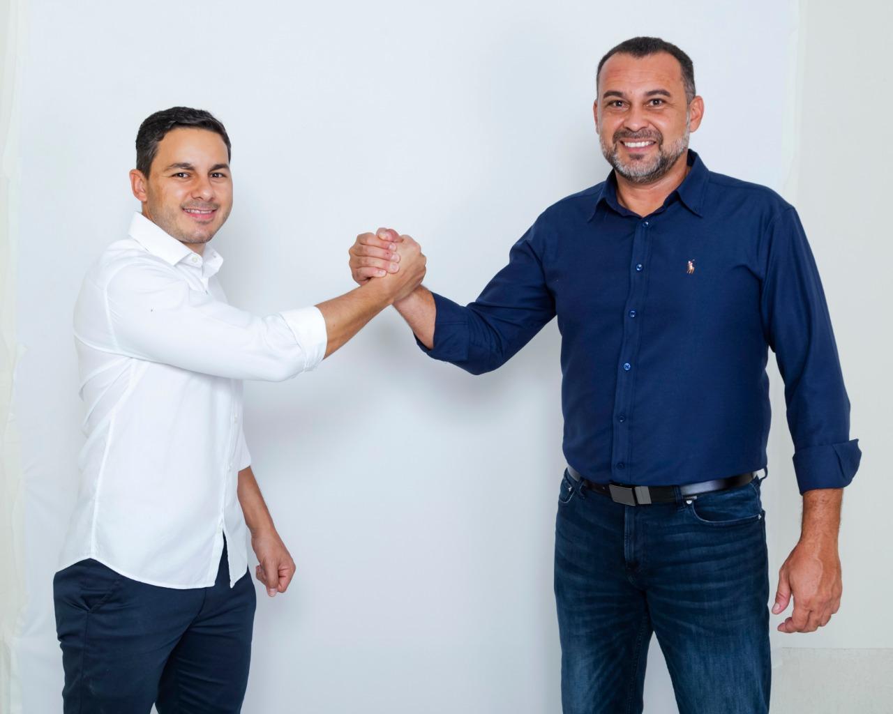Hugo Deleon e o vice Haroldinho Calaça Coelho (Reprodução)