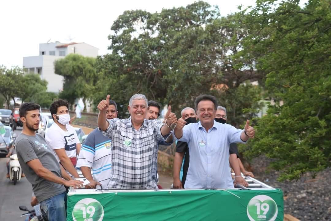 Adib ao lado de João Sebba e aliados durante carreta de sua campanha (Reprodução Rede Social)