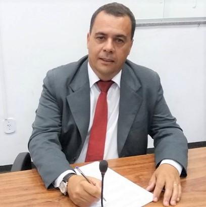 Dr. Jair Humberto da Silva diante confiança dos pares é leito novo presidente da Câmara de Catalão (Sdnews)