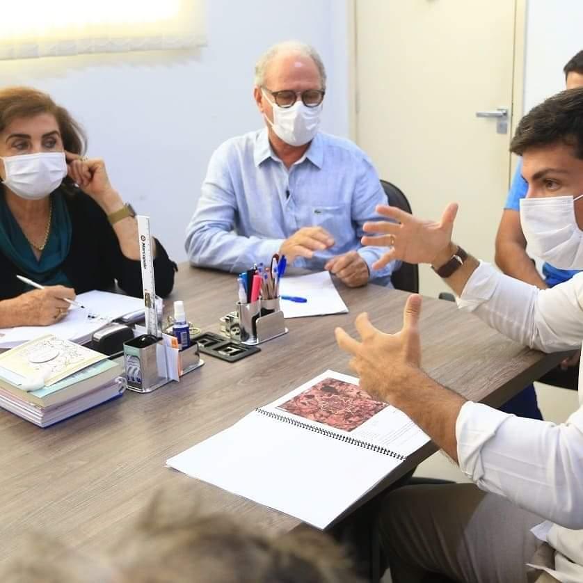 Sales recebendo o projeto do Anel Viario em Pires do Rio (Sdnews)