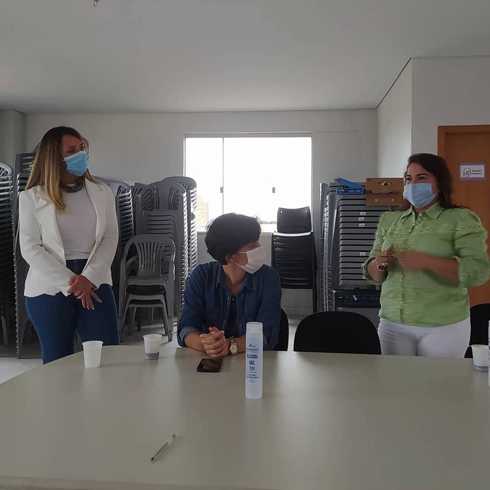 A ação comandada pela titular da pasta, Tatiana Lemos, contou com a participação especial da primeira-dama de Goiânia, Thelma Cruz (Afif Sarhan - Gerente de Comunicação da Secretaria Municipal de Polí