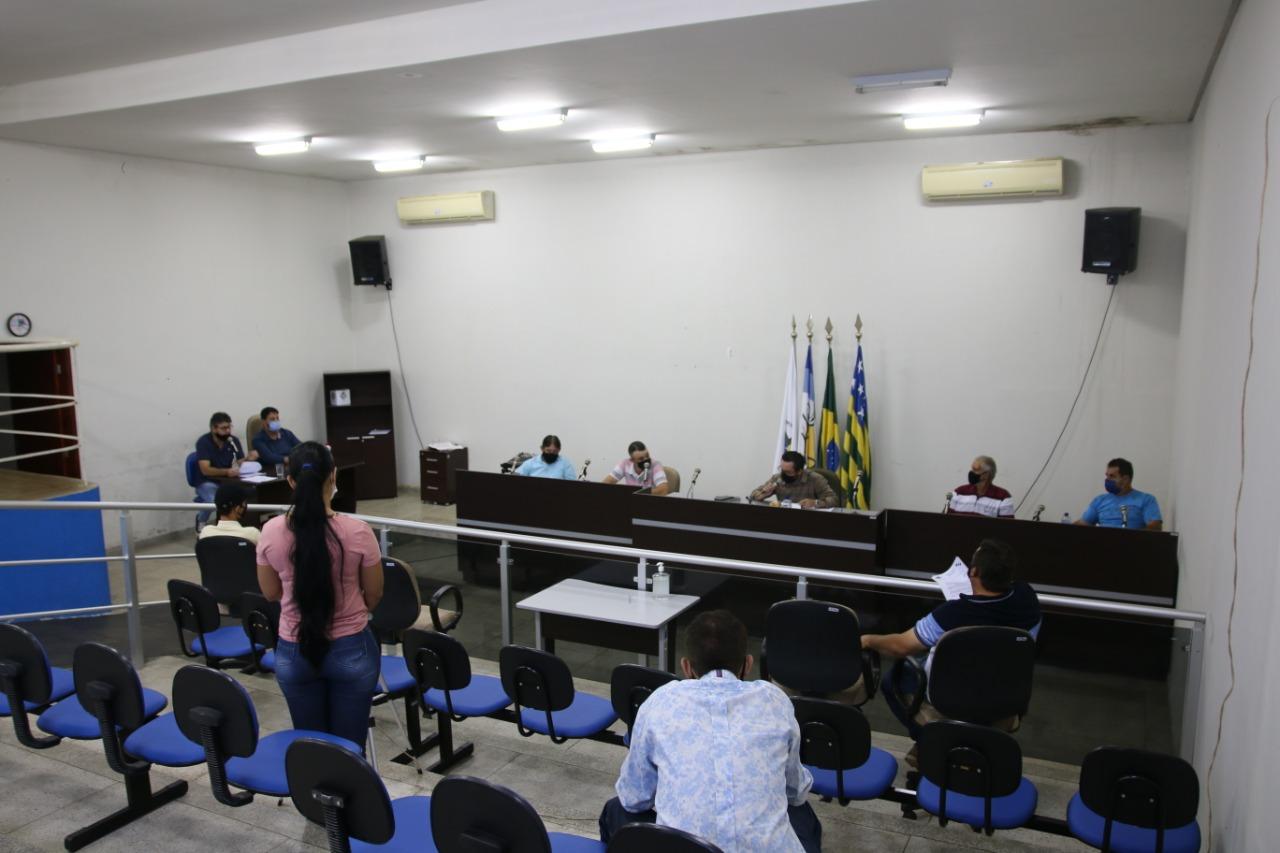 Parlamentares apreciando pautas no plenário da Câmara Municipal de Nova Aurora (Arquivo Sdnews)