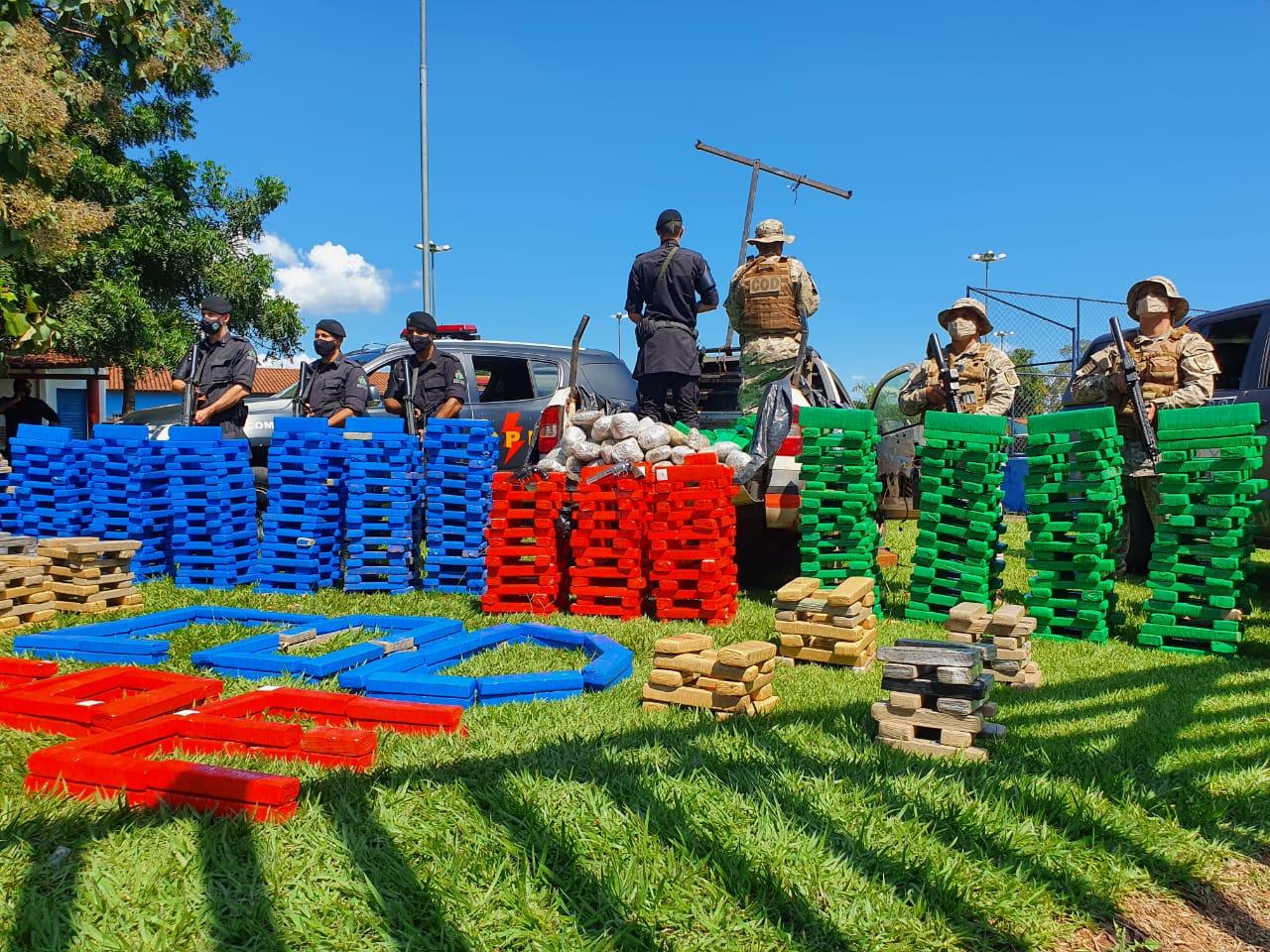 Goiás apreenderam quase 2 toneladas de drogas, durante ações realizadas entre a manhã e tarde desta terça-feira (20/04)