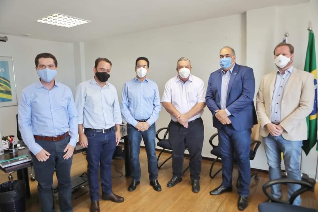 Gestores cristalinenses, viabilizando credenciamento no Programa Goiás Social de construção de moradias da Agehab