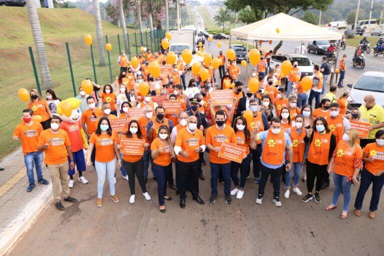 Rogério Cruz participa da caminhada de lançamento da campanha Maio Laranja na Região Noroeste de Goiânia - (Foto Jackson Rodrigues/Secom Goiânia)