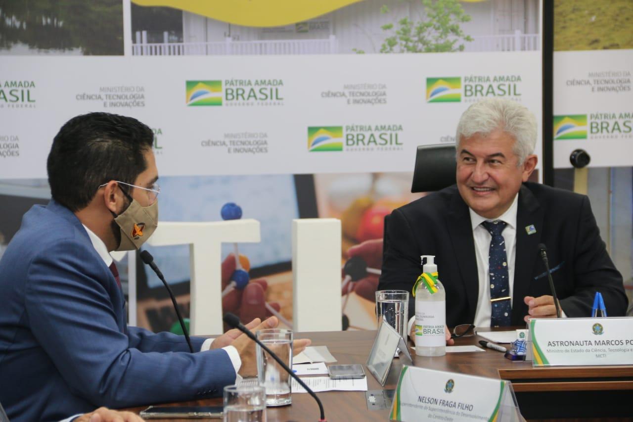 Em Brasília, vice-governador Lincoln Tejota discute produção de IFA e kit de intubação em polo farmacêutico goiano, segundo maior da América Latina. Grupo de trabalho dará seguimento às tratativas (Fo