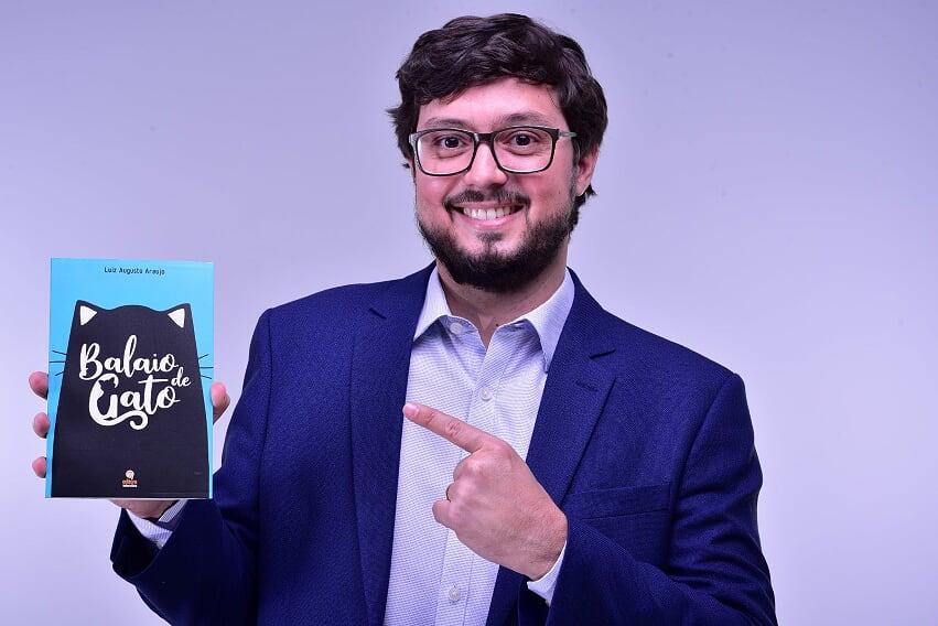 Luiz Augusto Araujo revela que a obra, sua estreia no gênero literário contos e crônicas