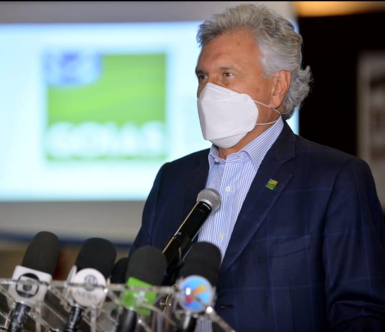 O governador Ronaldo Caiado durante coletiva da sanção da medida de uso de tornozeleira (Reprodução Redes Sociais)